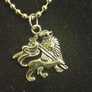 Lion of Judah necklace 18 inch chain